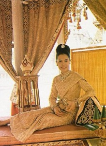queen sirikit in thai siwalai dress
