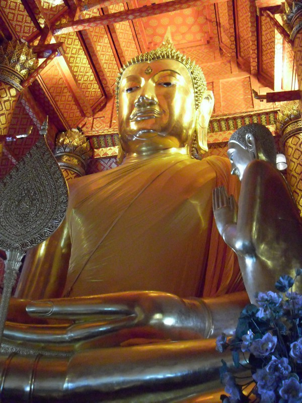 Great Buddha at Wat Phanan Choeng, Ayutthaya