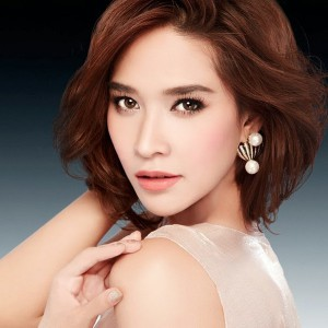 Ploy Chermarn Thai actress with fair skin (photo credit: baodoi.com)