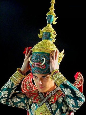 Chin as Khon character Tosakanth (photo credit: pinterest.com)