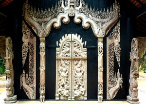 Carved facade at Thawan Duchanee's Black House Museum (photo credit: Anandajoti Bhikkhu)