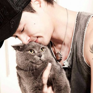 Lovely picture of Peter with his cat (photo credit: Peter Corp, FB page)