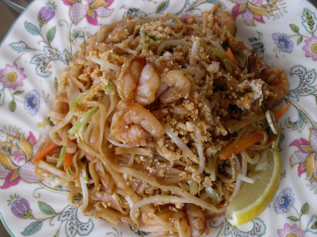 Homemade Pad Thai Gung (photo: Sirinya's Thailand Blog)