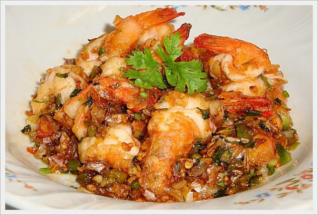 Thai salt & pepper shrimp (photo: topicstock.pantip.com)