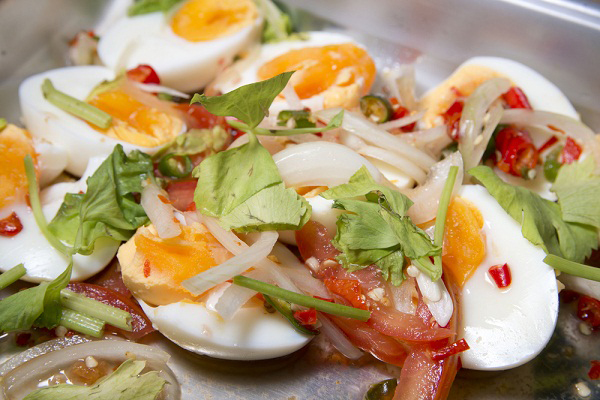 Thai spicy egg salad (photo: cooking.kapook.com)