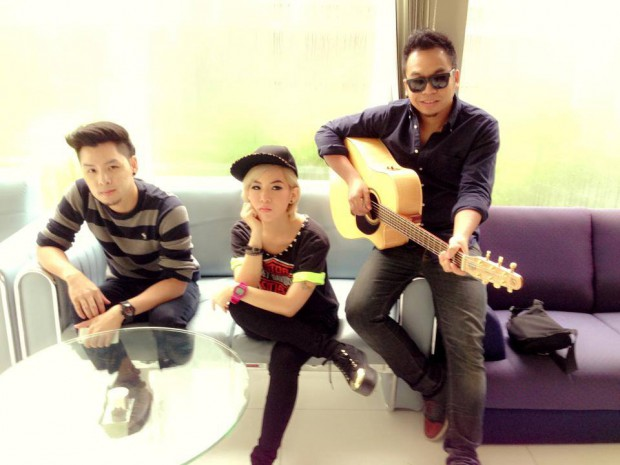 Tom, Mon and Wan Yai, band members of Room 39