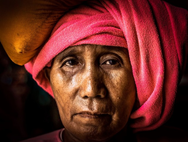 A nun from Myanmar, Copyright (c) Bernd Kolb