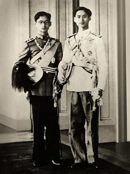 King Ananda Mahidol and Bhumibol Adulyadej in 1946 (photo: wikimedia.org)