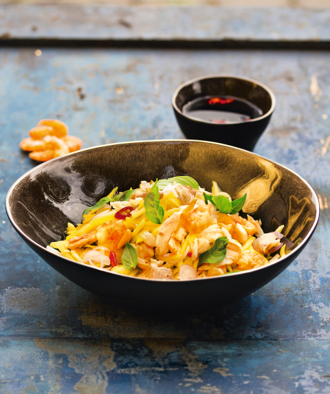 Mango salad with fish from Cambodia (photo: ©Christian Verlag / Heike Leistner)