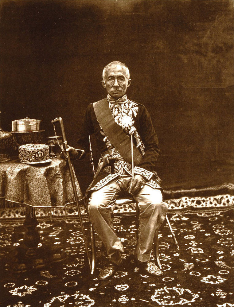 800px-Thomson_King_Mongkut_of_Siam-762x1000
