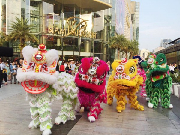 Lions in front of Siam Paragon Bangkok
