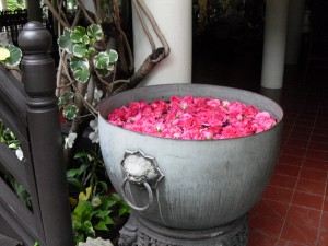 Bowl of roses at Suan Pakkad Palace Museum, Bangkok, Thailand
