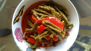 Red curry with long green beans, vegetarian version (photo: Sirinya Pakditawan)