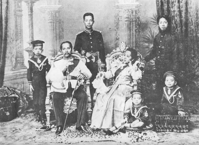 Chulalongkorn, Queen Saowapha & sons (photo credit quod.lib.umich.edu)