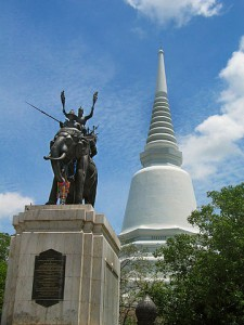 Don chedi memorial, Suphanburi Province, Thailand (photo credit: Heinrich Damm, wikimedia.org)