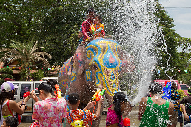 Songkran in Ayutthaya, photo: JJ Harrison, wikimedia.org