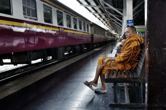 Waiting for the train at Hua Lamphong Station*