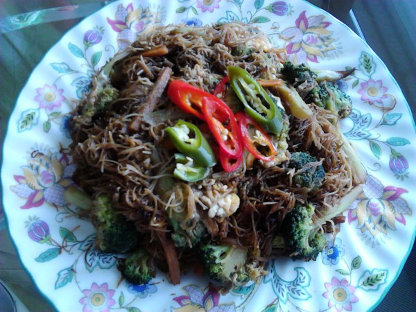 Homemade pad see ew with thin rice noodles and broccoli (photo taken by myself)