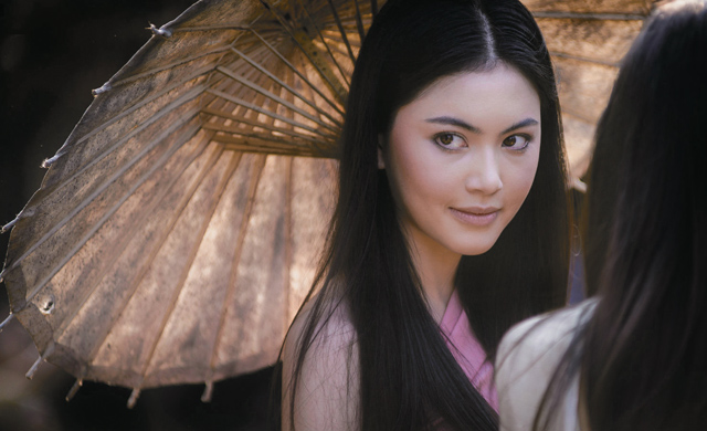 Davika Hoorne as Mae Nak in 'Phi Mak Phra Khanong' (photo credit: bk.asia-city.com)