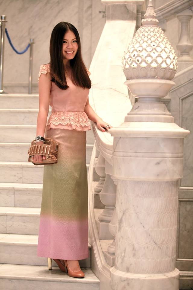 Traditionally inspired dress (photo credit: Queen Sirikit Museum of Textiles, FB page)
