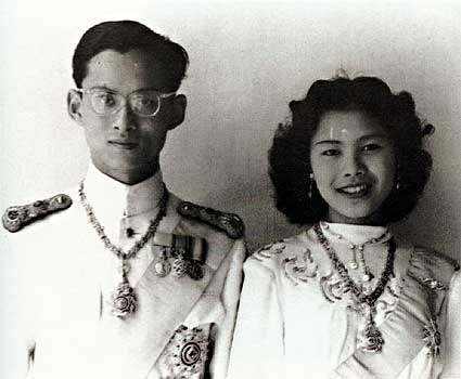 Photograph of Bhumibol and Sirikit of Thailand on their wedding 28 April 1950 (photo credit: wikimedia.org)