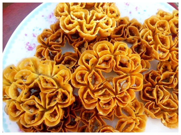 Crispy Lotus Blossom Cookie (photo: bloggang.com)
