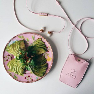 Gorgeous pink Vasa earphones with polished gold details