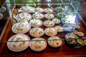 A display of porcelain from the Rattanakosin era*