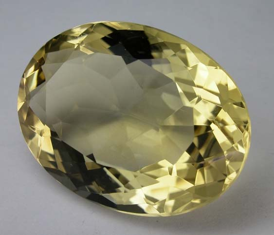 Citrine, a yellow gem for Monday (photo Wela49~commonswiki, wikimedia.org)