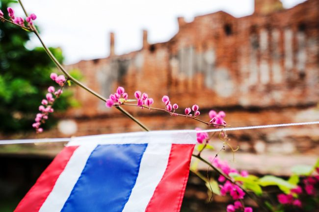 Living in Thailand, Thai flag
